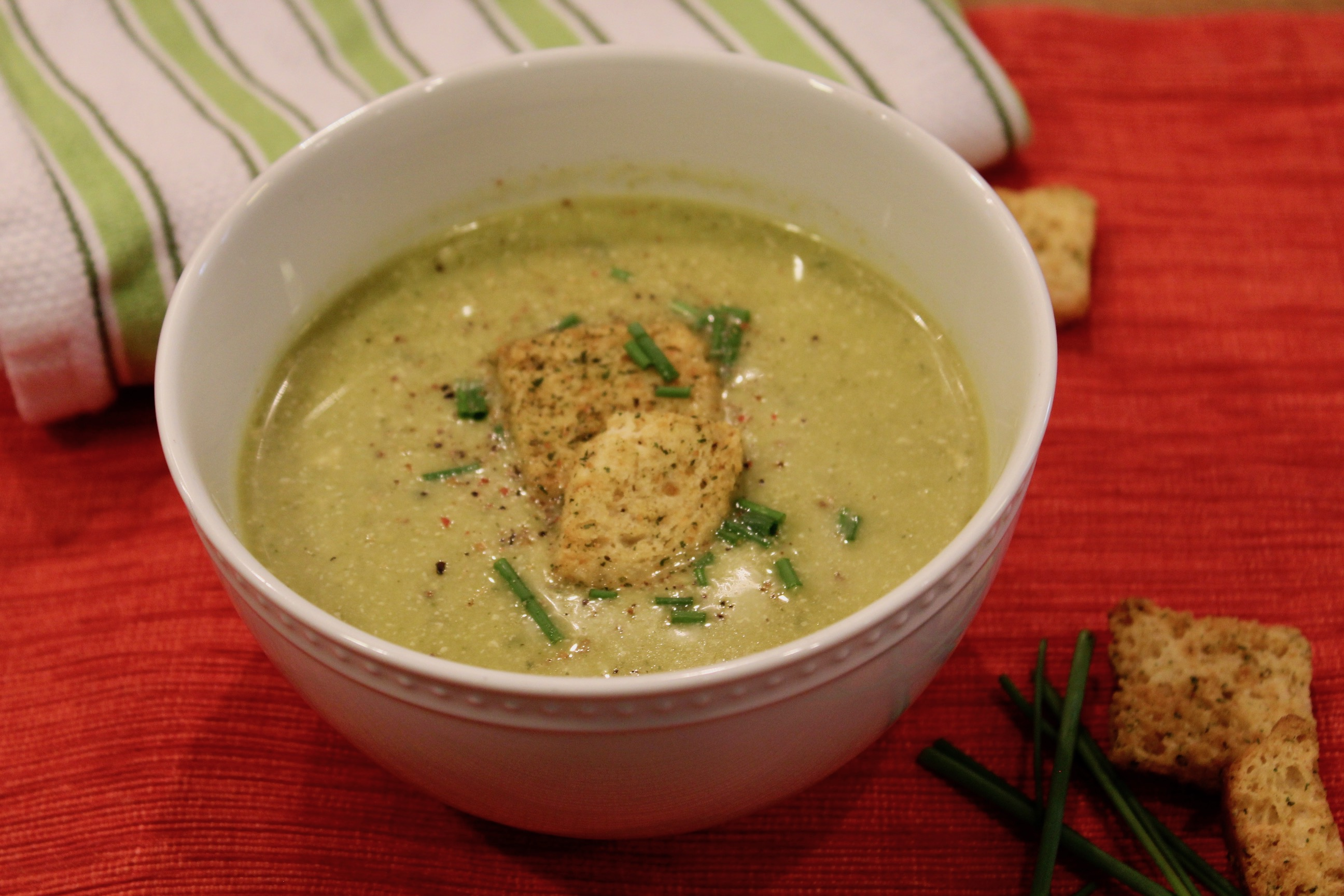 Quick and Easy Asparagus and Zucchini Summer Soup